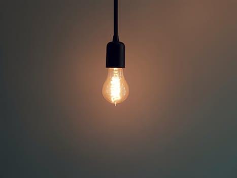 Membaca Dengan Lampu Redup Akan Merusak Mata, Benarkah?